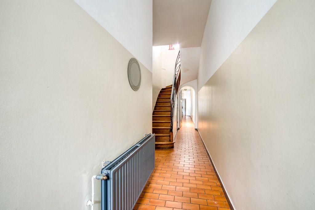 Maison à vendre 8 200m2 à Lille vignette-4