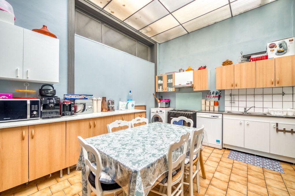 Maison à vendre 8 200m2 à Lille vignette-5