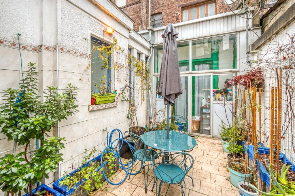 Maison à vendre 8 200m2 à Lille vignette-6