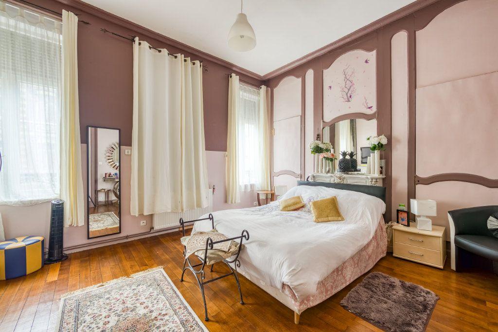 Maison à vendre 8 200m2 à Lille vignette-9