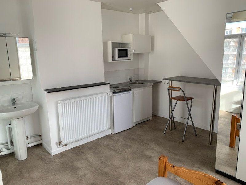 Appartement à louer 1 15m2 à Lille vignette-2
