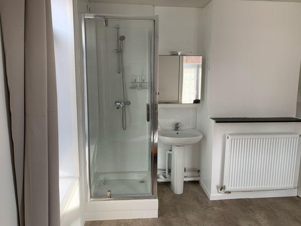 Appartement à louer 1 15m2 à Lille vignette-5