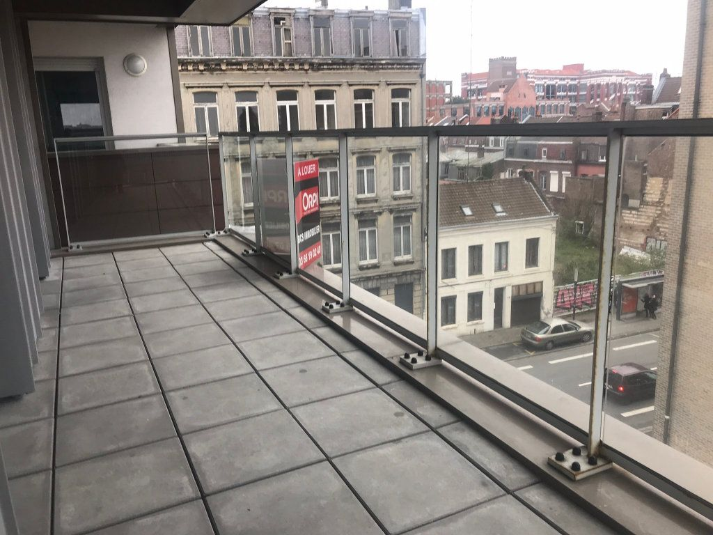 Appartement à louer 3 69.9m2 à Lille vignette-5