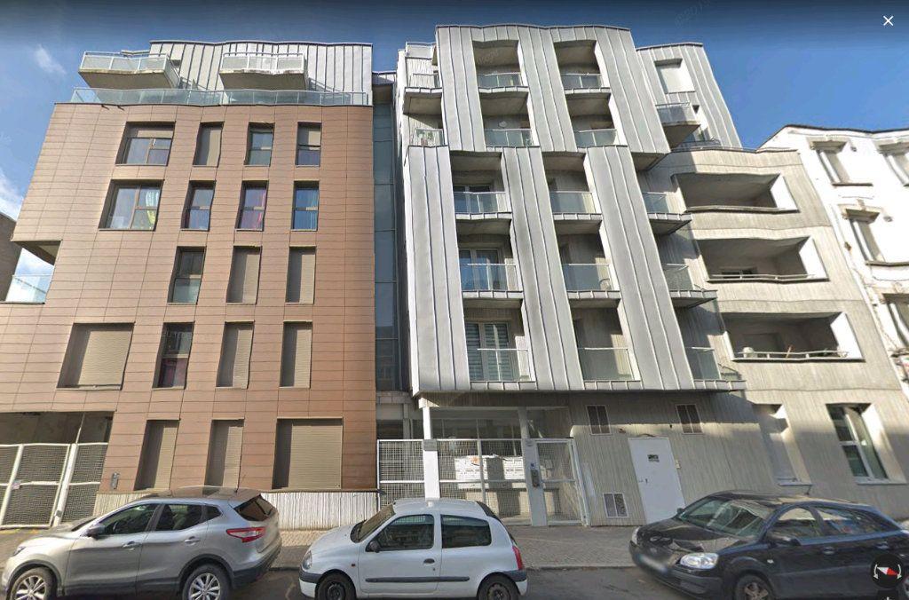 Appartement à louer 3 69.9m2 à Lille vignette-10