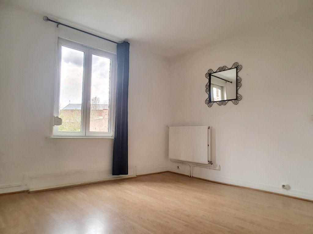 Appartement à louer 3 62.36m2 à Pérenchies vignette-2