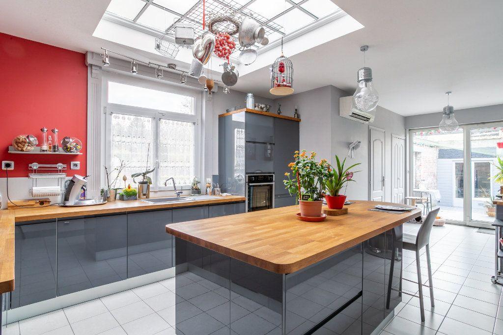 Maison à vendre 5 125.91m2 à Mons-en-Baroeul vignette-3