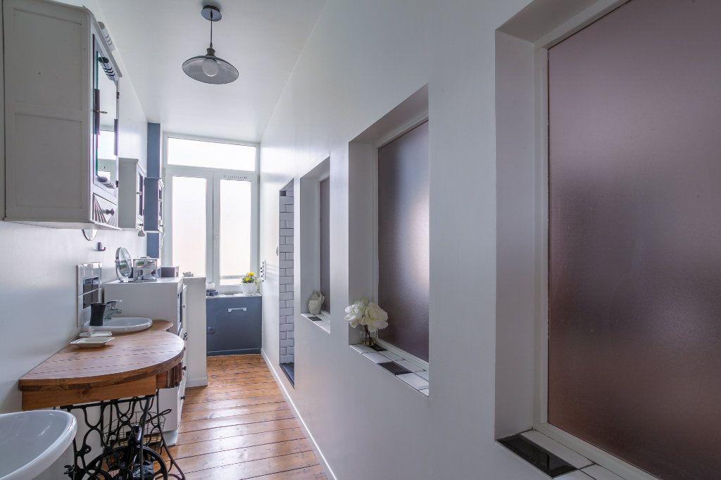 Maison à vendre 5 125.91m2 à Mons-en-Baroeul vignette-9