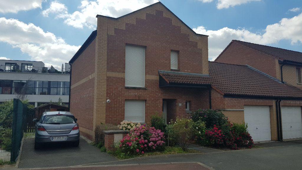 Maison à louer 5 95m2 à Tourcoing vignette-1