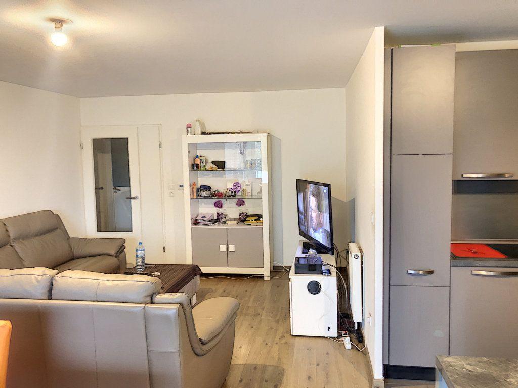 Appartement à vendre 4 85.2m2 à Haubourdin vignette-3