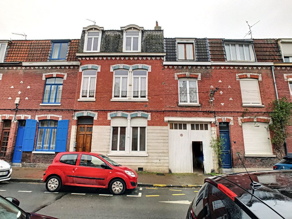 Maison à vendre 9 237m2 à Lille vignette-3