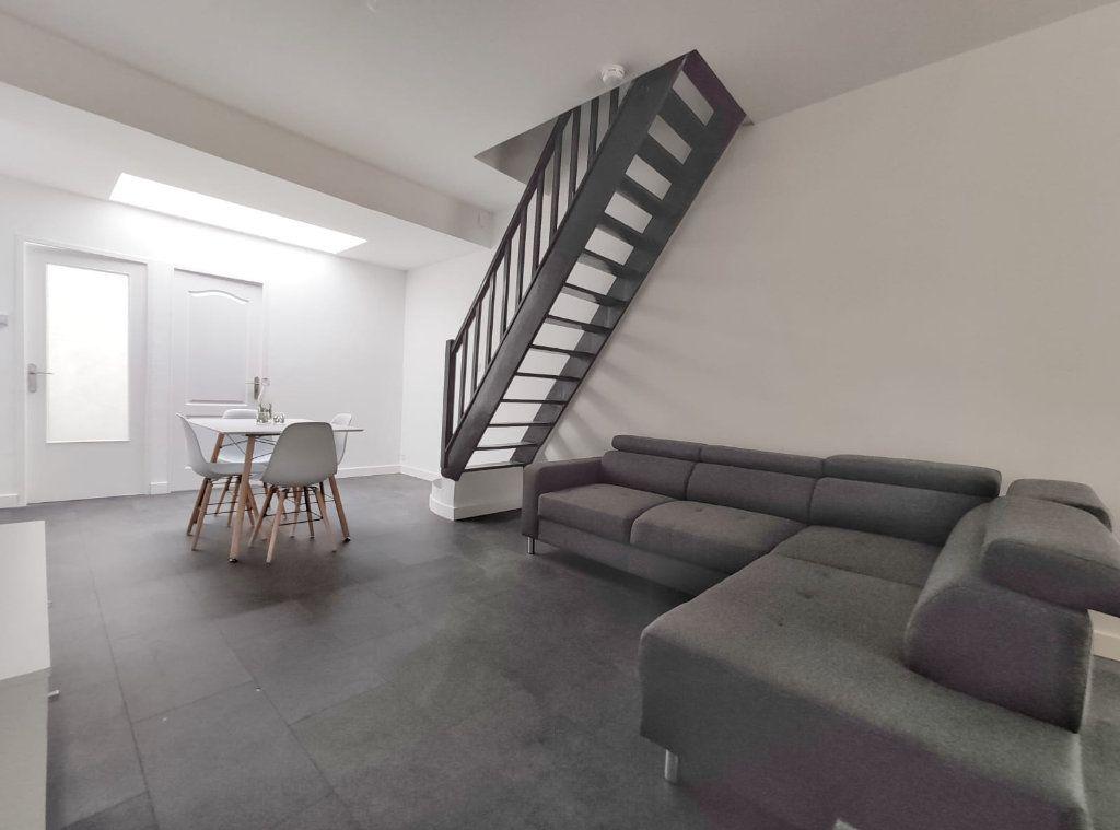 Maison à louer 5 83.29m2 à Tourcoing vignette-3