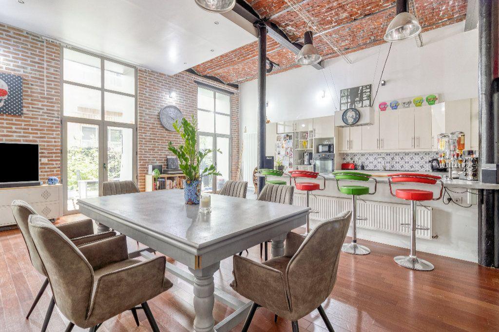 Appartement à vendre 4 131.5m2 à Tourcoing vignette-2