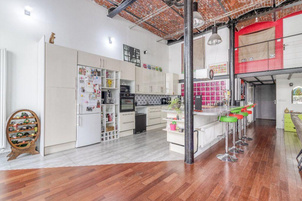 Appartement à vendre 4 131.5m2 à Tourcoing vignette-6
