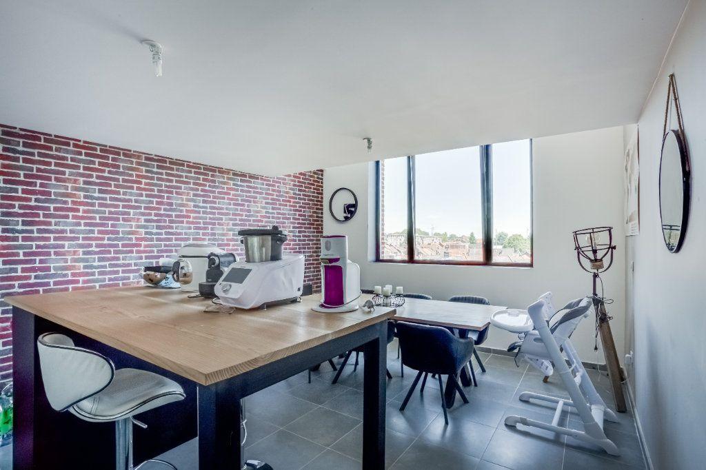 Appartement à vendre 4 87.82m2 à Tourcoing vignette-2
