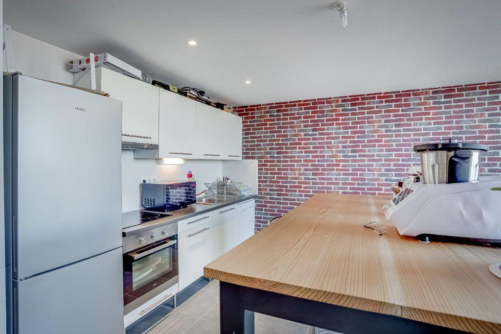 Appartement à vendre 4 87.82m2 à Tourcoing vignette-6