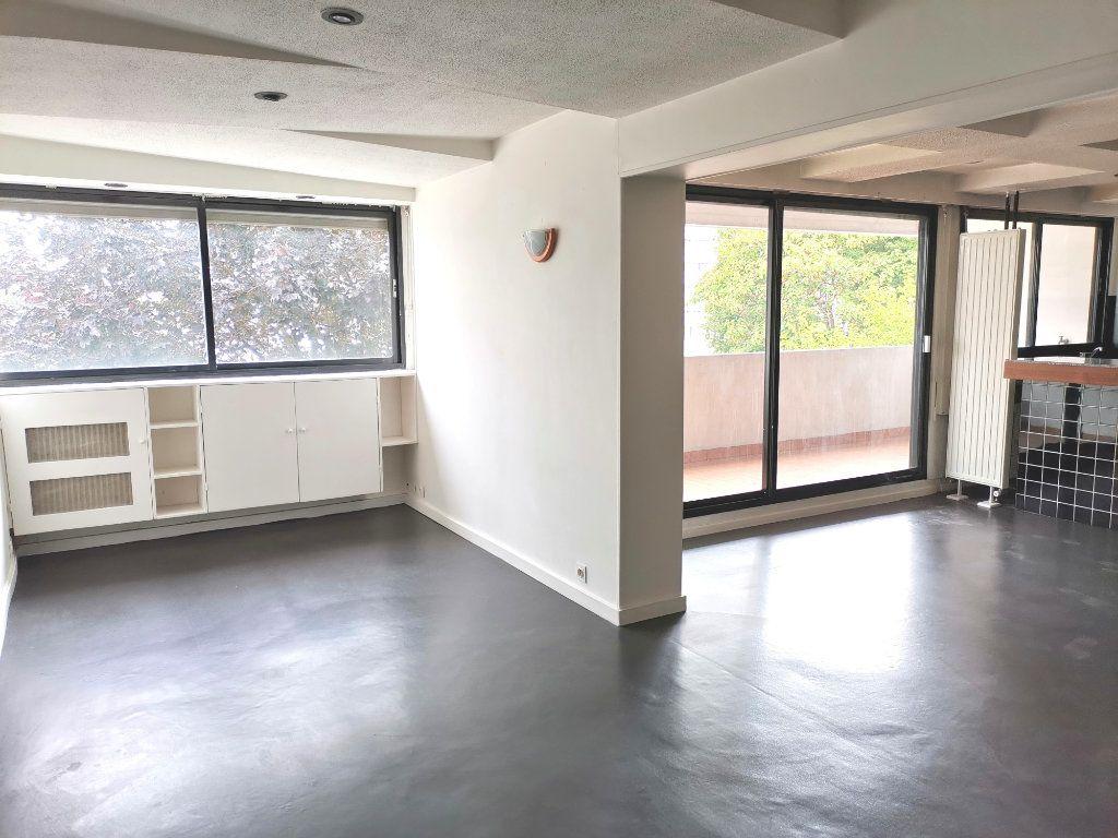 Appartement à louer 4 87.4m2 à Mons-en-Baroeul vignette-1