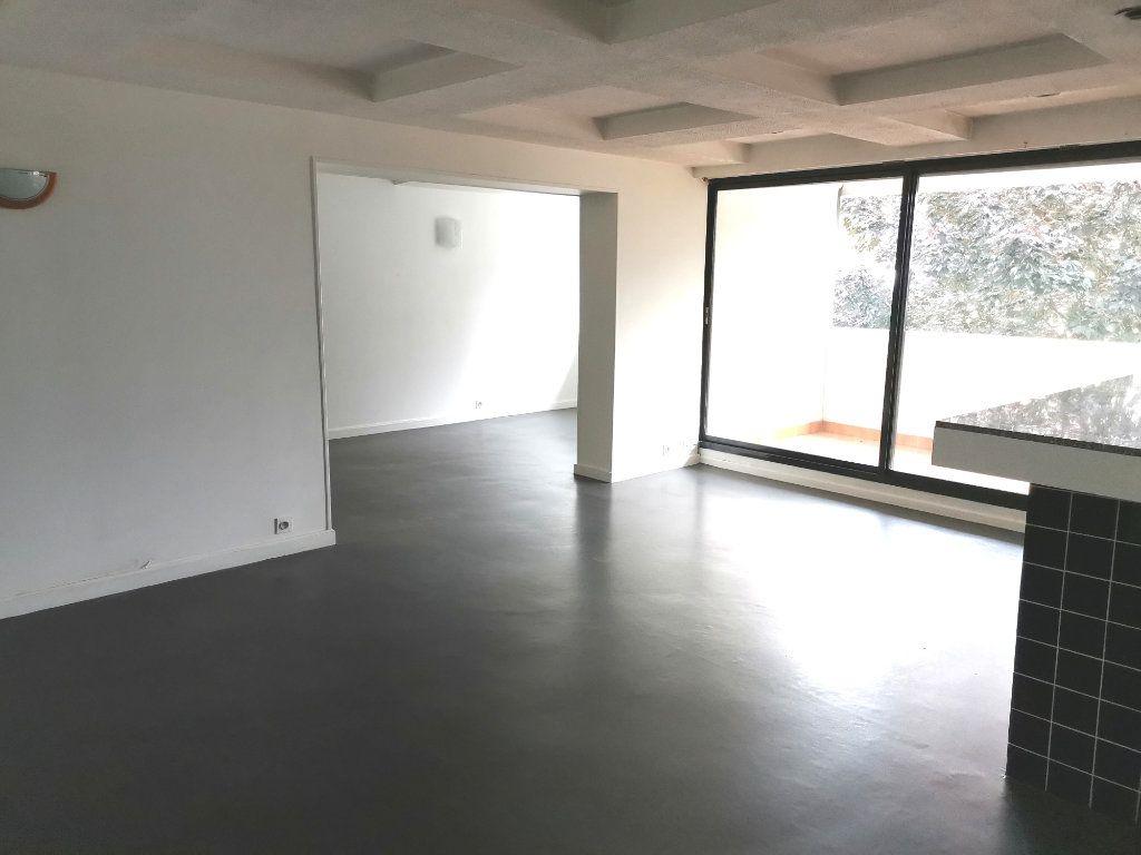 Appartement à louer 4 87.4m2 à Mons-en-Baroeul vignette-2
