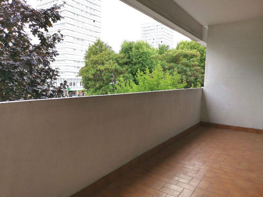 Appartement à louer 4 87.4m2 à Mons-en-Baroeul vignette-5