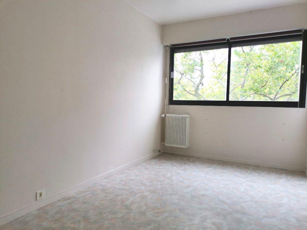 Appartement à louer 4 87.4m2 à Mons-en-Baroeul vignette-8