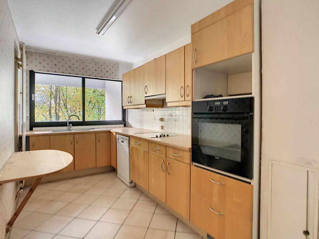 Appartement à louer 4 85.42m2 à Mons-en-Baroeul vignette-1