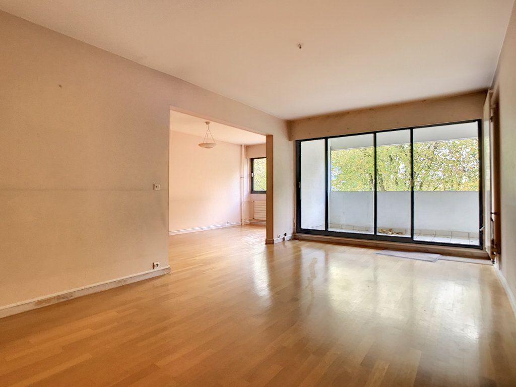Appartement à louer 4 85.42m2 à Mons-en-Baroeul vignette-2