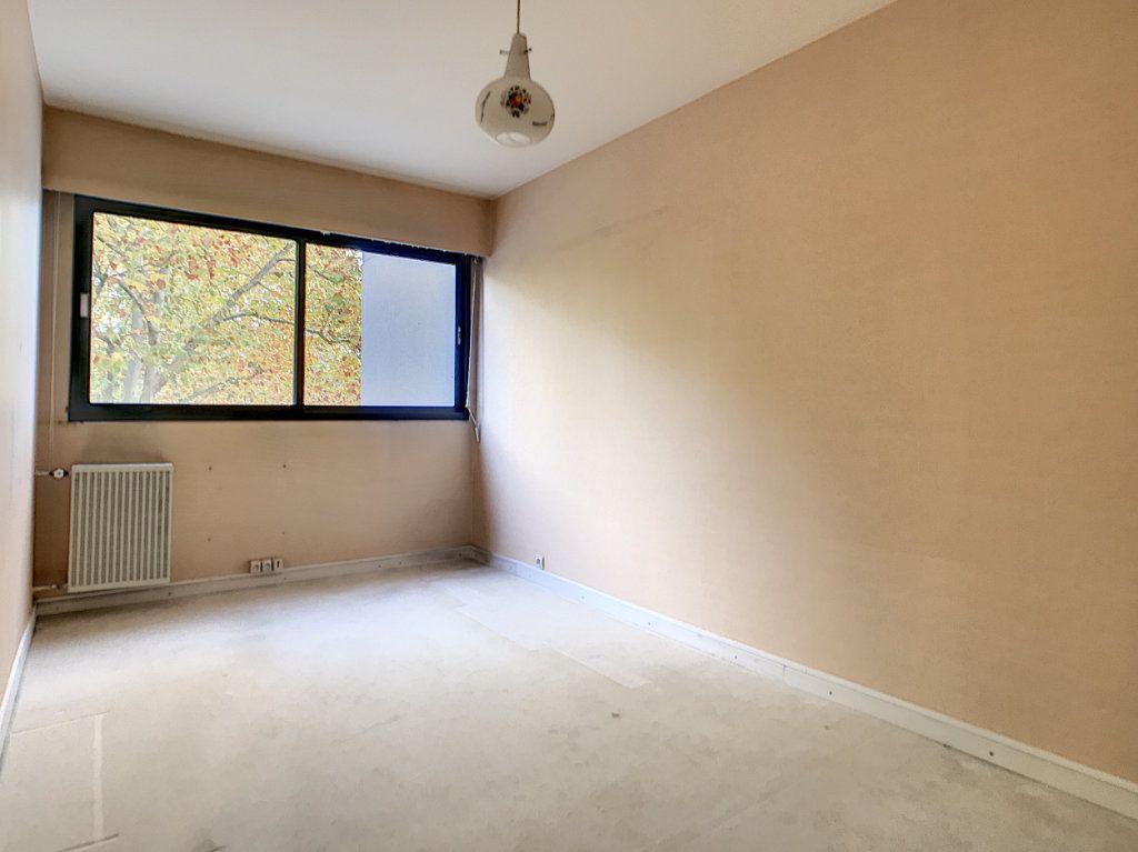 Appartement à louer 4 85.42m2 à Mons-en-Baroeul vignette-8