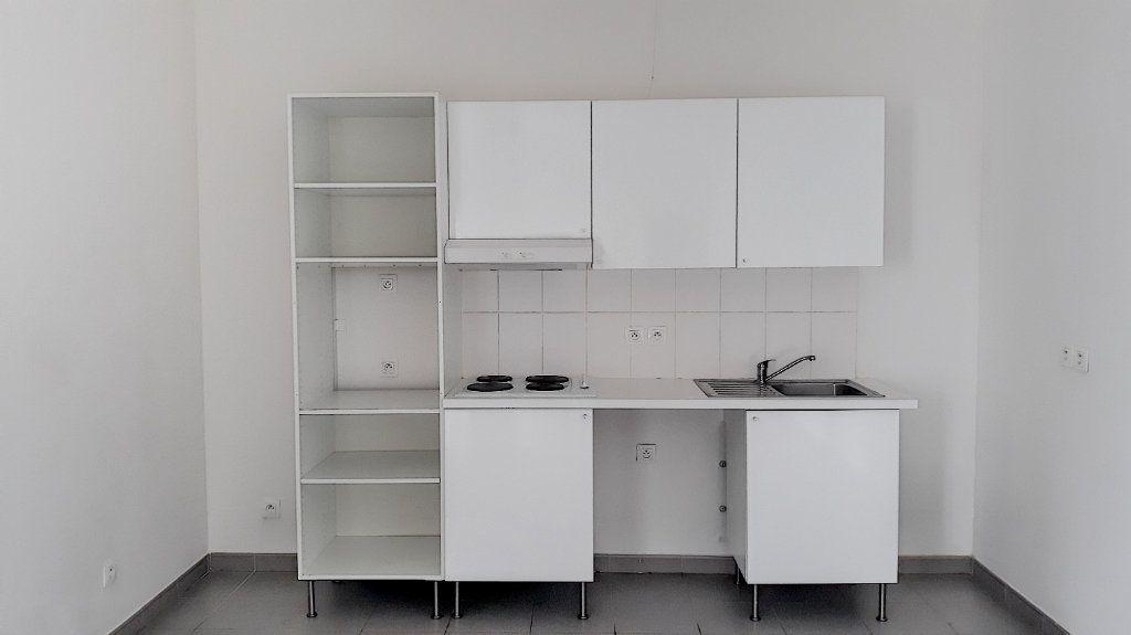 Appartement à vendre 4 93.7m2 à Tourcoing vignette-3