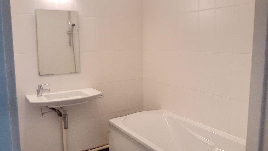 Appartement à vendre 4 93.7m2 à Tourcoing vignette-6
