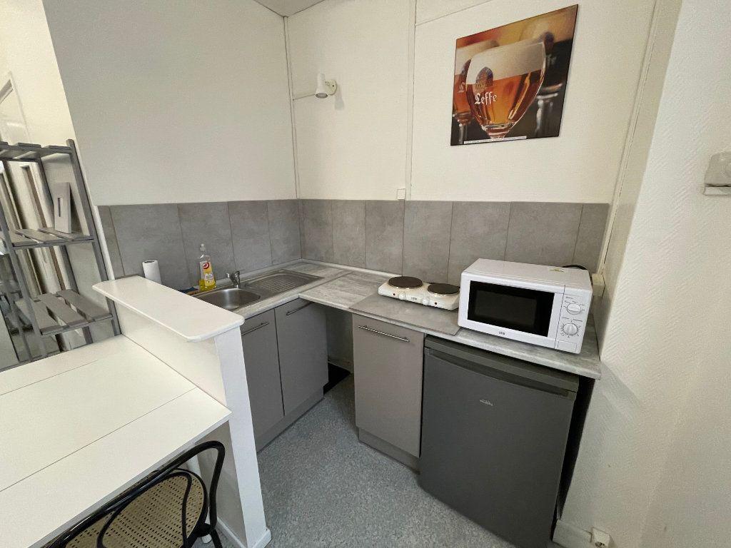 Appartement à louer 1 16.4m2 à Lille vignette-5