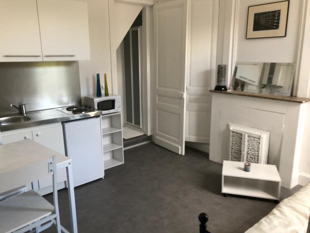 Appartement à louer 1 14.76m2 à Tourcoing vignette-1