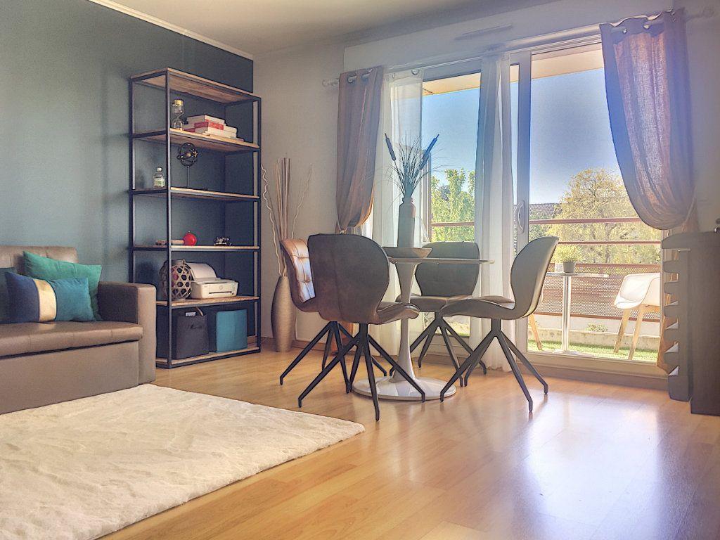 Appartement à vendre 3 64.93m2 à Lille vignette-3