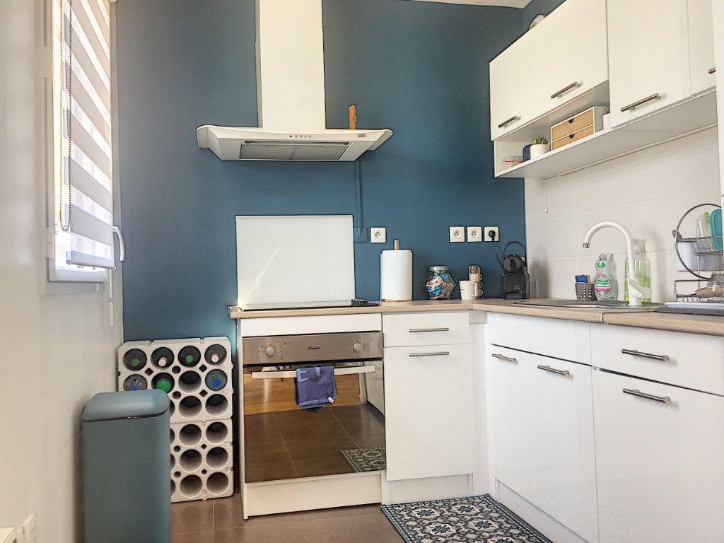Appartement à vendre 3 64.93m2 à Lille vignette-6