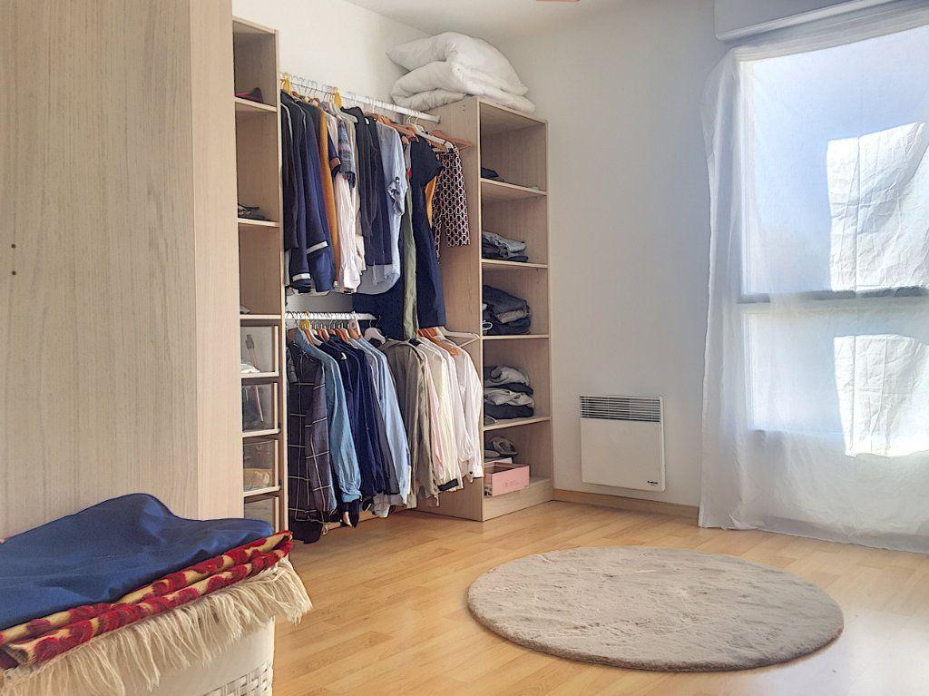 Appartement à vendre 3 64.93m2 à Lille vignette-9