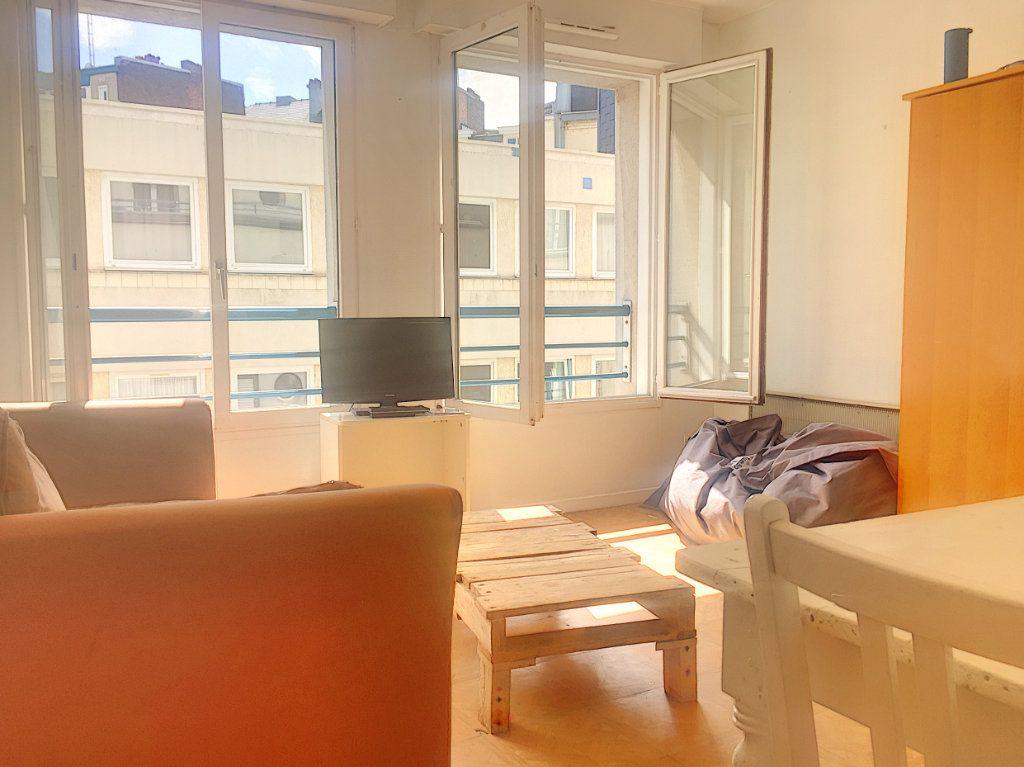 Appartement à vendre 2 35.8m2 à Lille vignette-1
