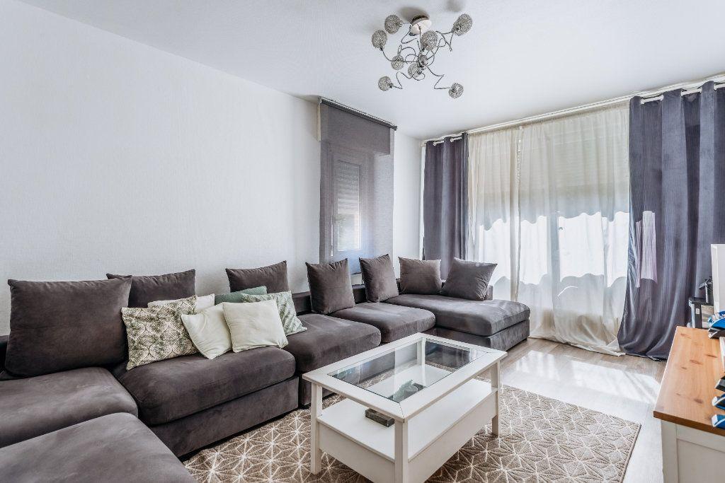 Appartement à vendre 4 81.1m2 à Wattignies vignette-1