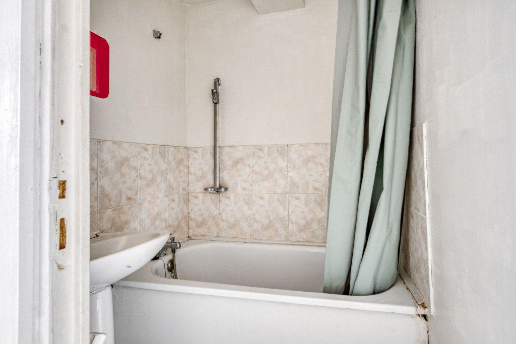 Appartement à vendre 3 56m2 à Faches-Thumesnil vignette-10