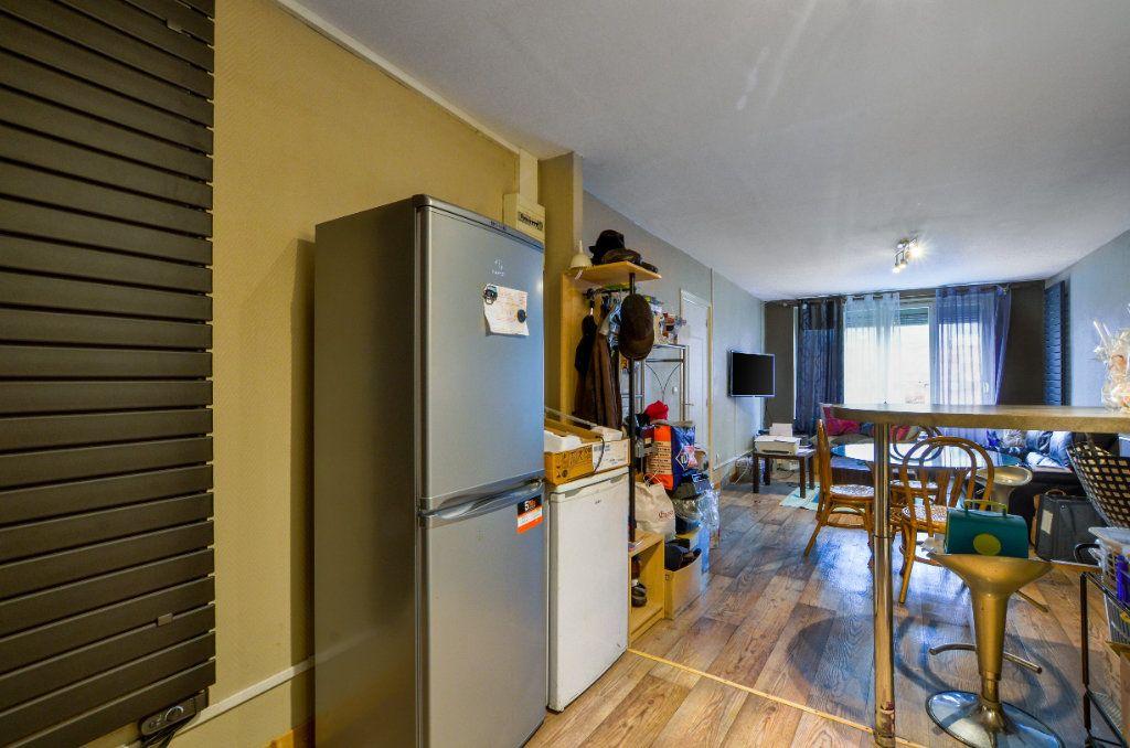 Appartement à vendre 2 47m2 à Lille vignette-2