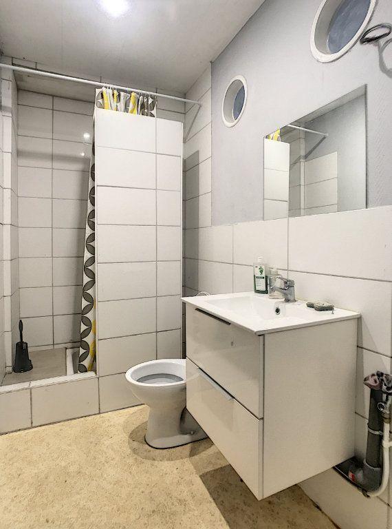 Appartement à louer 3 41.46m2 à Lille vignette-3