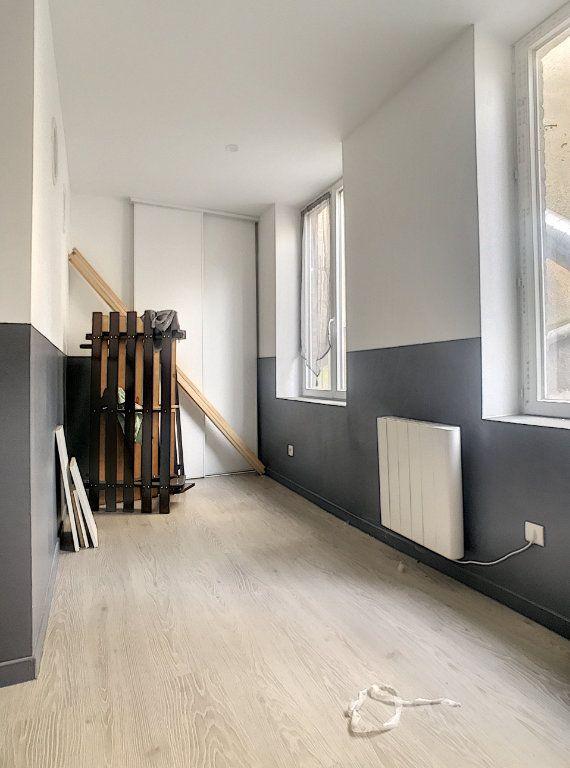 Appartement à louer 3 41.46m2 à Lille vignette-4