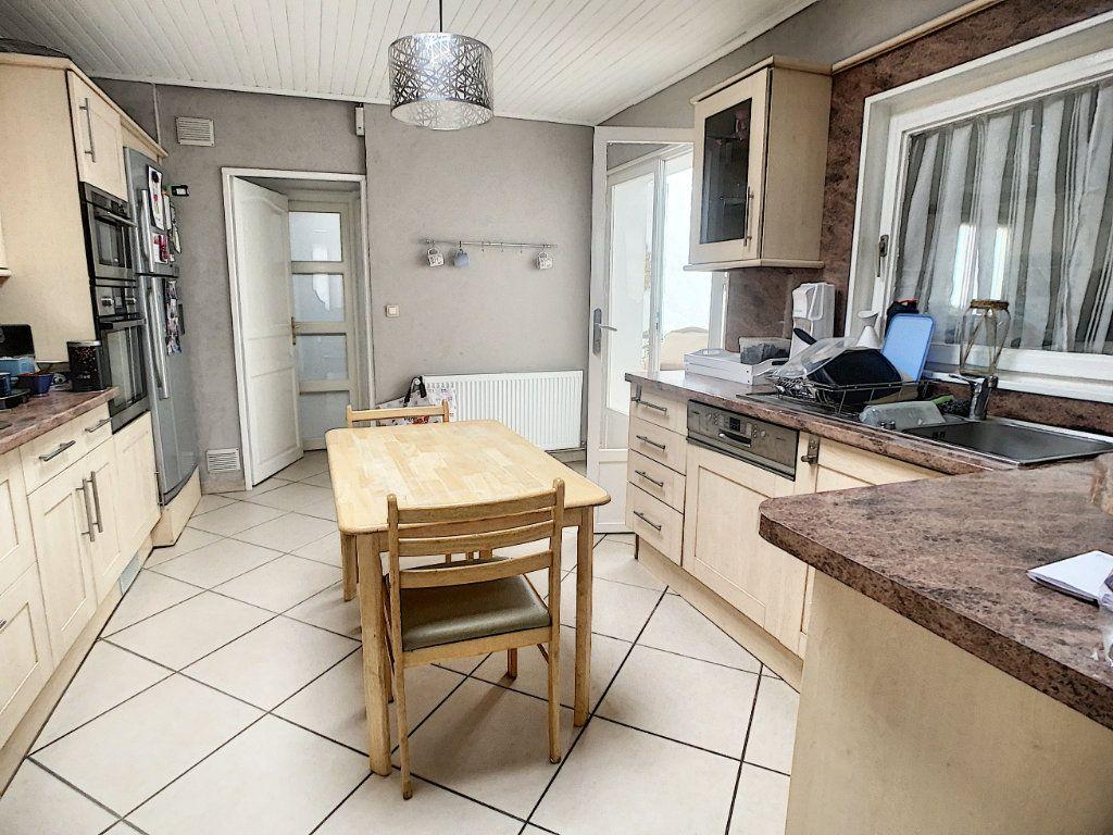 Maison à vendre 5 180m2 à Tourcoing vignette-6