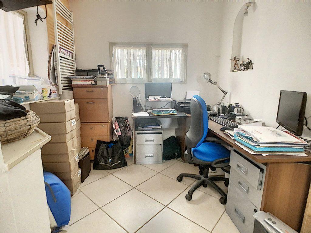 Maison à vendre 5 180m2 à Tourcoing vignette-12