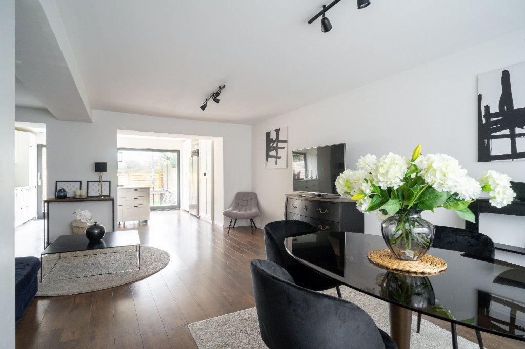 Maison à vendre 4 105m2 à Lille vignette-1