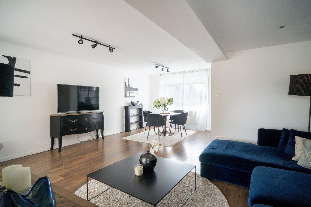 Maison à vendre 4 105m2 à Lille vignette-4