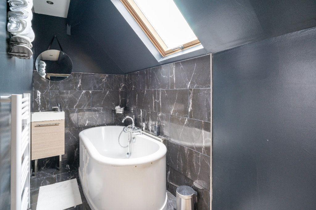 Maison à vendre 4 105m2 à Lille vignette-9