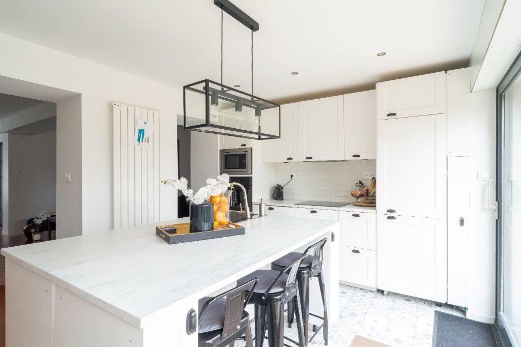 Maison à vendre 4 105m2 à Lille vignette-10