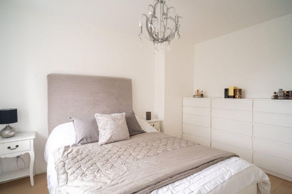 Maison à vendre 4 105m2 à Lille vignette-12