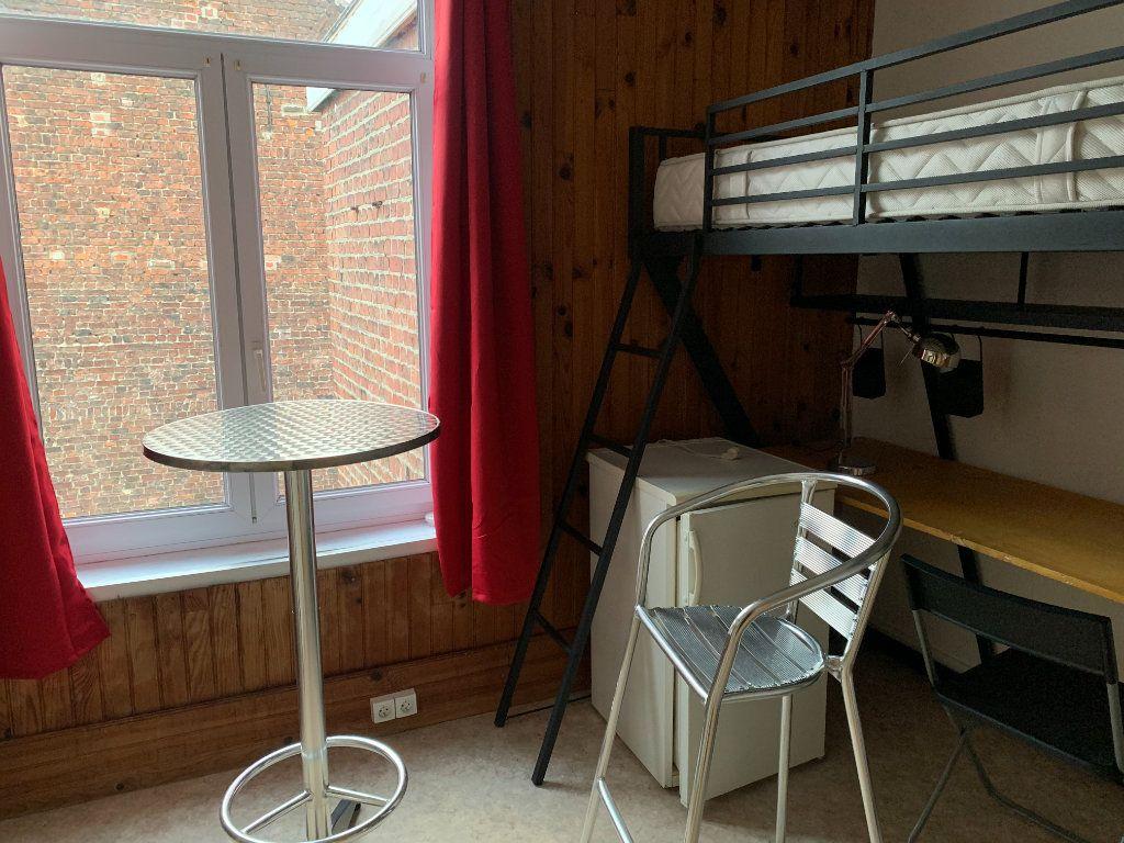 Appartement à louer 1 11m2 à Lille vignette-2