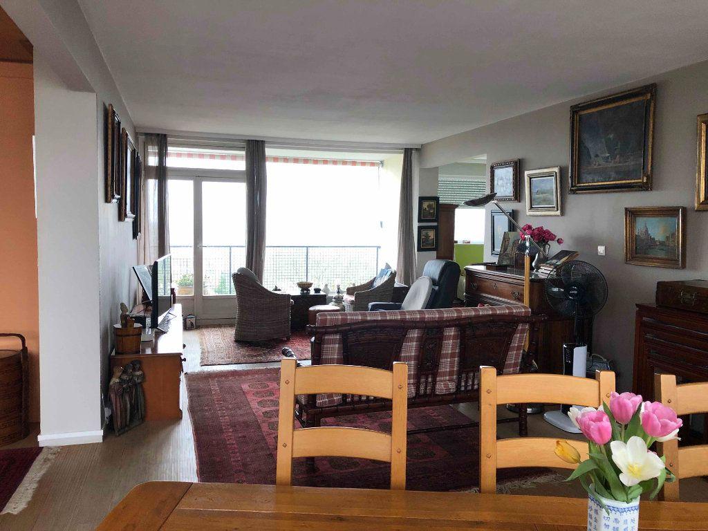 Appartement à vendre 4 118.38m2 à Roubaix vignette-6
