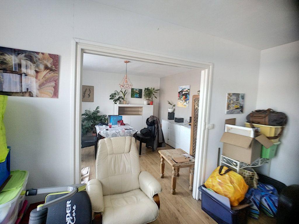 Appartement à vendre 3 69m2 à Roubaix vignette-1