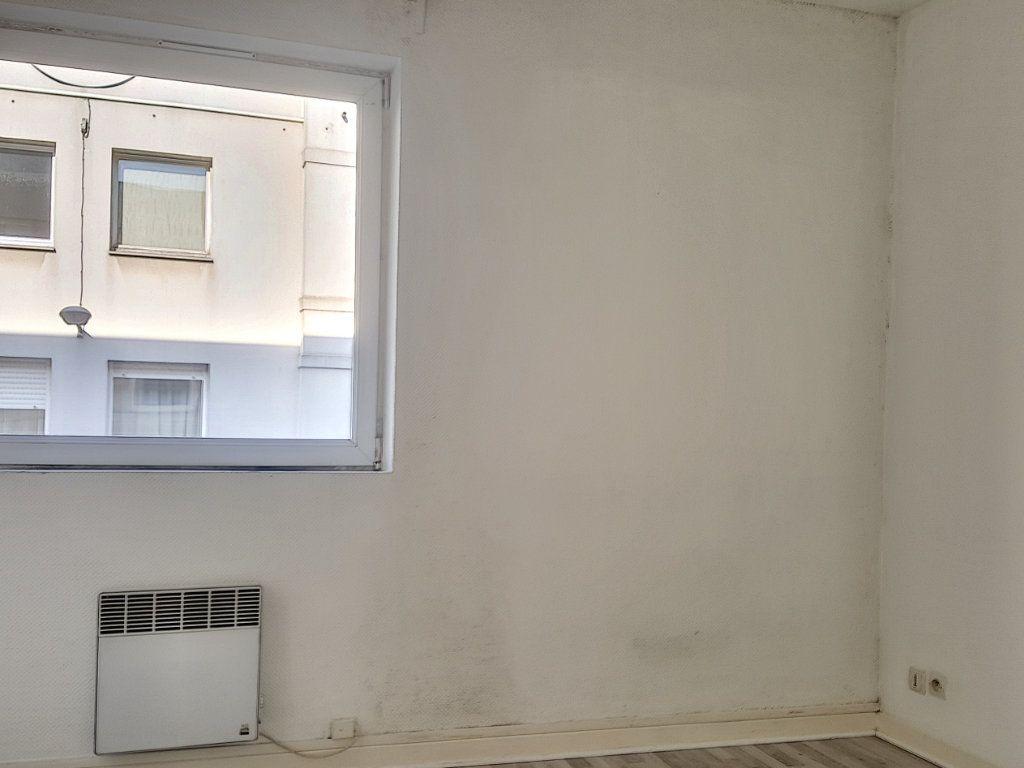Appartement à louer 2 31m2 à Lille vignette-3